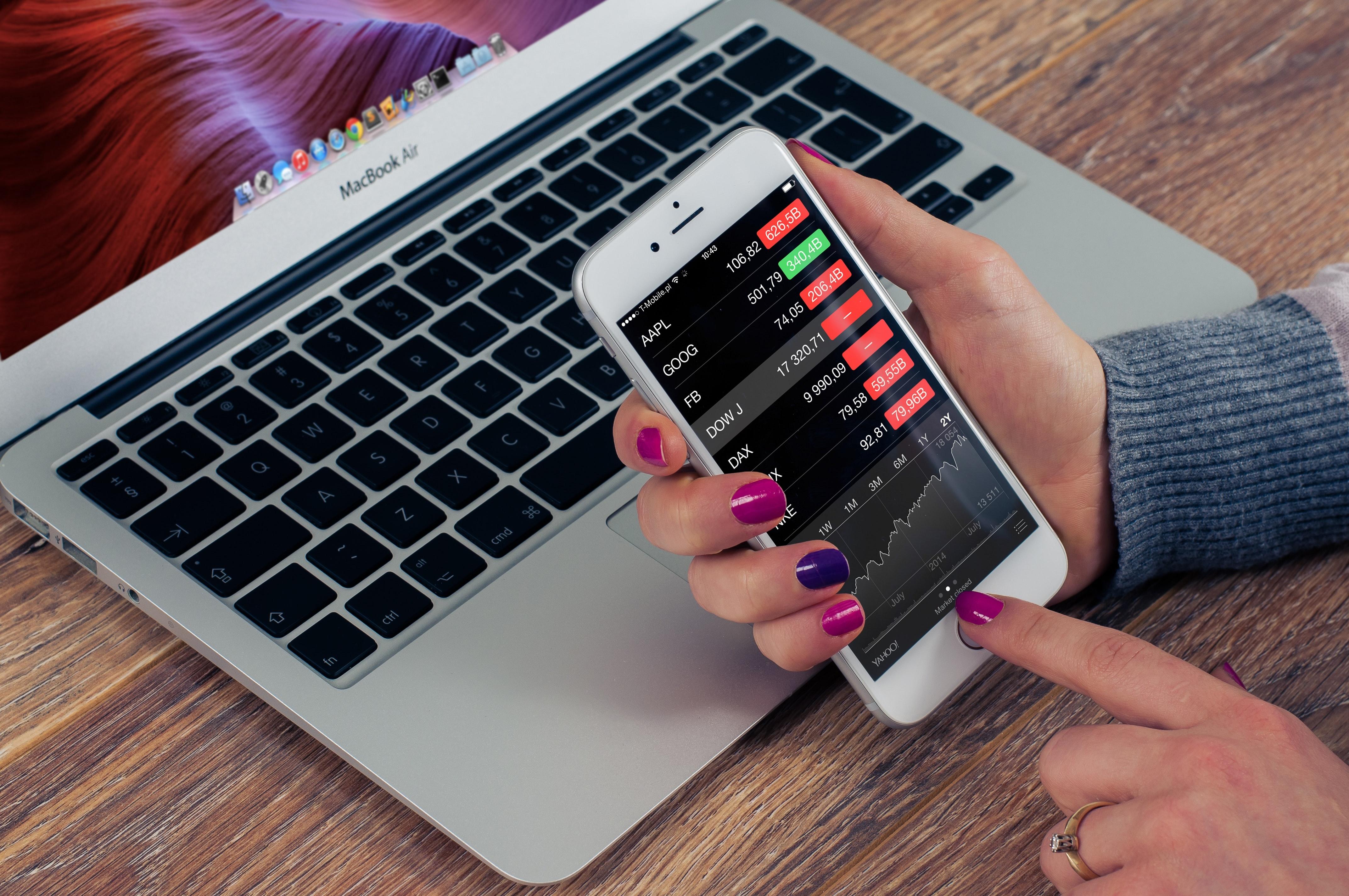 Delnice podjetja Bumble so prvi dan na borzi zrastle za skoraj 64%